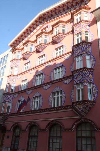Ljubljana_buntes_Jugenstilhaus