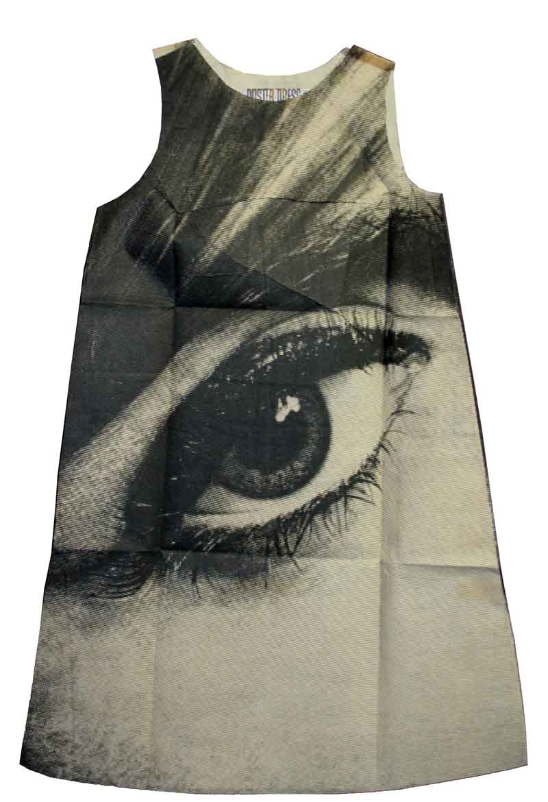 "Harry Gordon, Poster Dress ""Mystique Eye"", London, 1968, Eigentum der Stiftung für die Hamburger Kunstsammlungen, Foto: Maria Thrun"