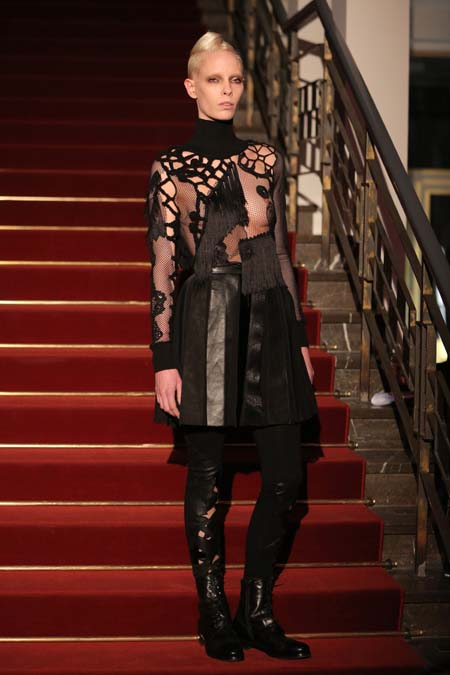 Augustin Teboul Show - Mercedes-Benz Fashion Week Berlin Autumn/Winter 2015/16: romantische Spitze und Leder