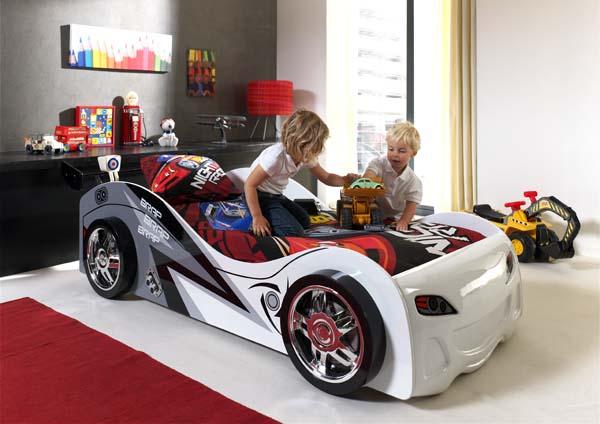Kinderbett_Rennwagen