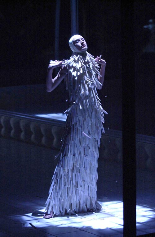 12._Razor_clam_shells_dress_Voss_SS_2001._Model_Erin_O_Connor._Image_firstVIEW